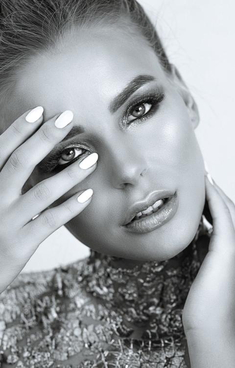 Natali Kelly - Brow Lift